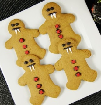 From http://www.thekitchenismyplayground.com/2012/10/gingerbread-vampires.html